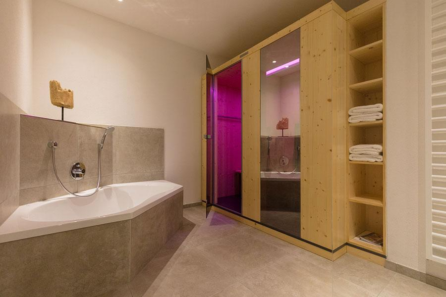 Suite 3 - Bathroom with infra-red sauna